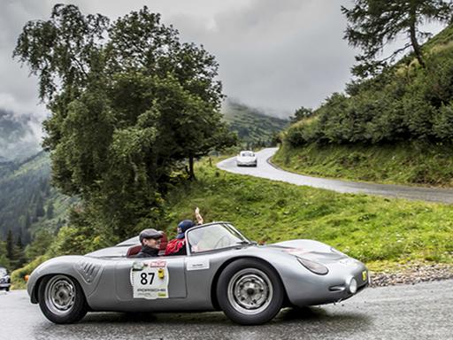 Mark Webber und Neel Jani auf historischen Porsche-Rennwagen in Österreich.